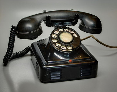 altes Telefon, Foto: Berthold Werner, Wikimedia commons, License: https://creativecommons.org/licenses/by-sa/3.0/